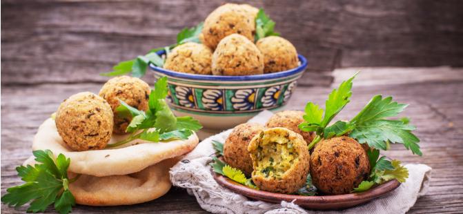 Arabische Küche - Unser Rezept für Falafel & Hummus | plus ...